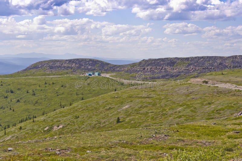 EUA - Estrada da beira de Canadá no topo do mundo foto de stock royalty free