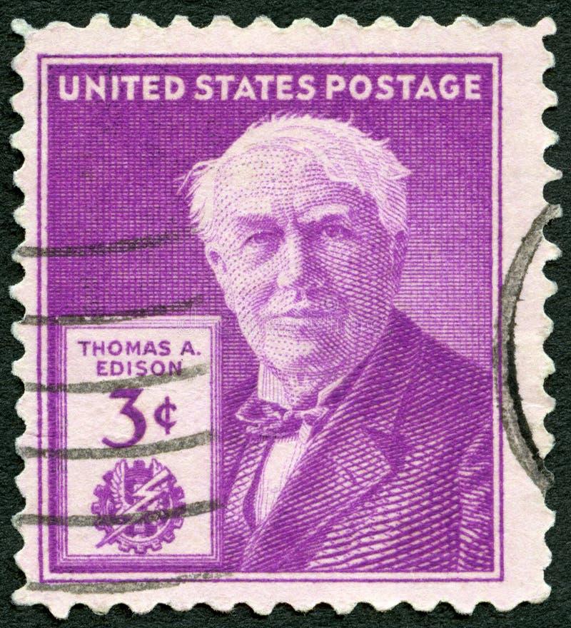 EUA - 1947: mostra o retrato de Thomas Alva Edison (1847-1931), do inventor e do homem de negócios, 100th aniversário do nascimen imagens de stock royalty free