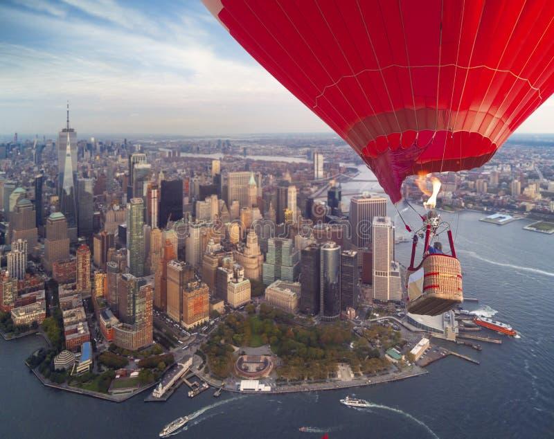 EUA New York City e opinião superior de Manhattan do balão de ar quente imagens de stock royalty free