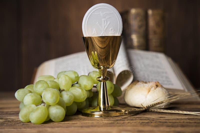 Eucaristía, sacramento de la comunión imagen de archivo