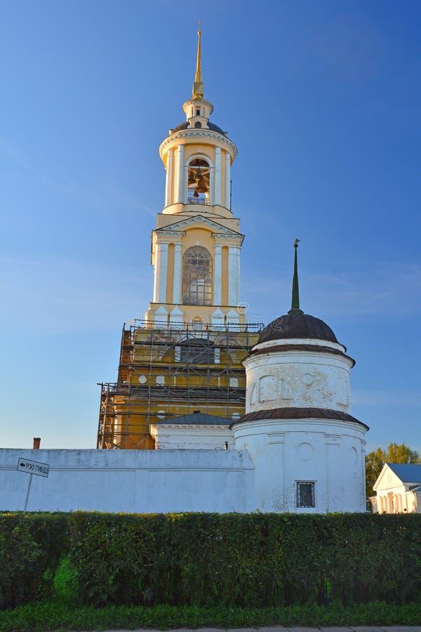Eufrosinia Suzdalskaya Belltower在Rizopolozhensky女修道院在苏兹达尔,俄罗斯 免版税库存照片
