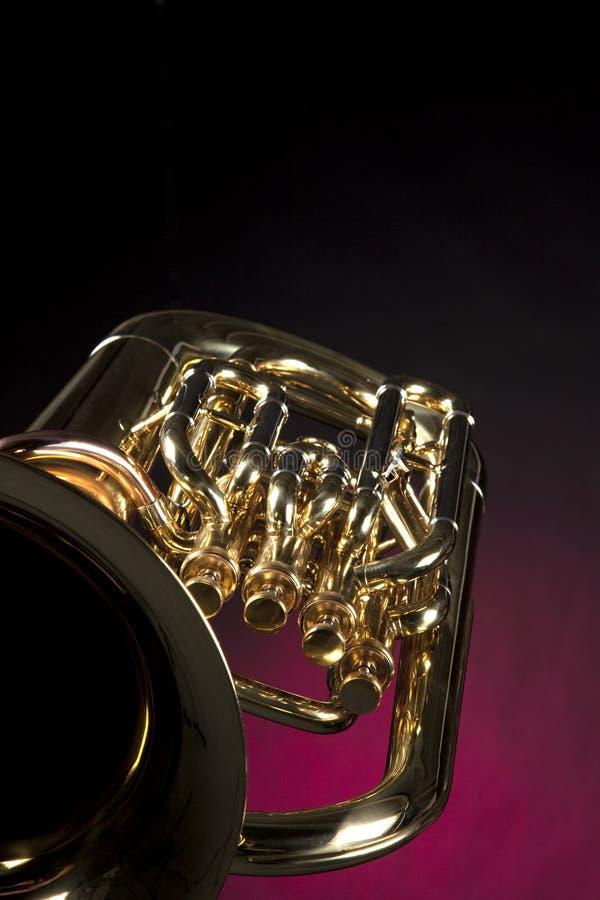 euphonium tuba odosobniony czerwony zdjęcia royalty free
