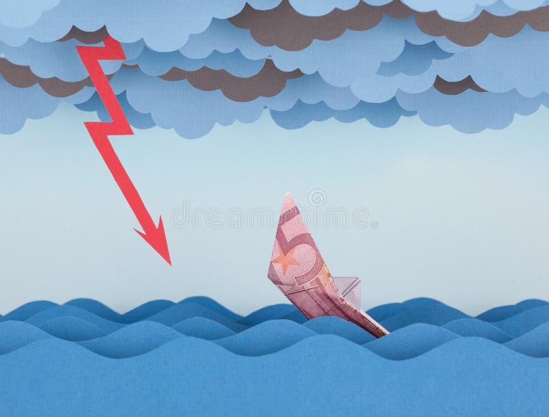 Euro łódź tonie w papierowego morze obrazy royalty free
