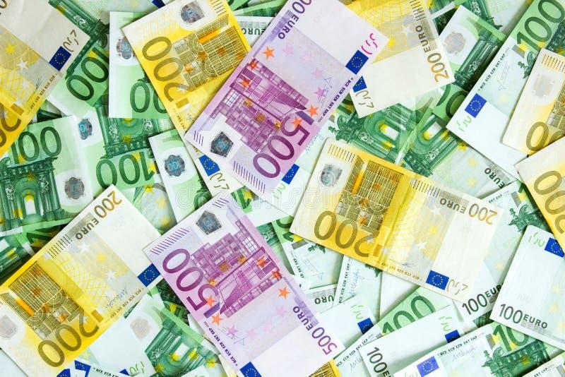 500 200 100 euro bankbiljetten stock foto's