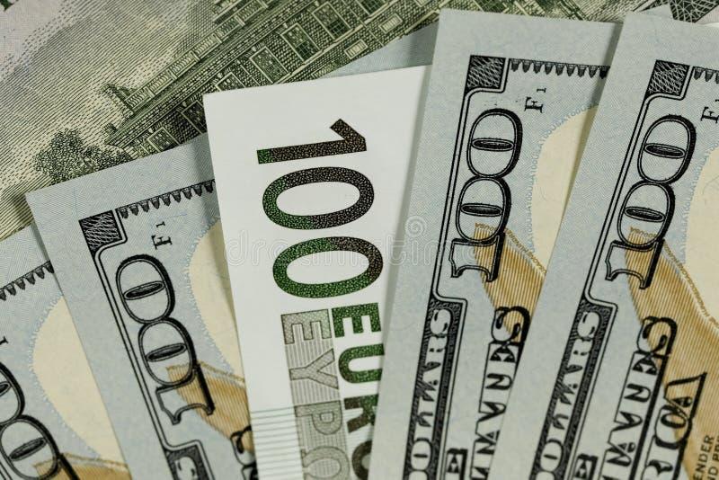A euro- cédula e do dólar americano cédulas foto de stock royalty free