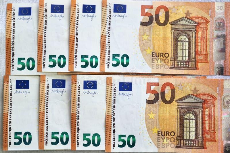 Euro- cédulas diferentes em um fim detalhado acima da vista fotografia de stock