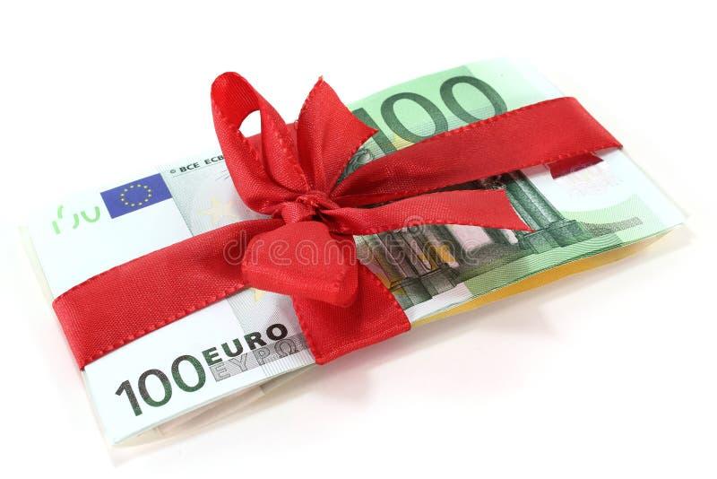 Euro con il nastro rosso fotografia stock libera da diritti