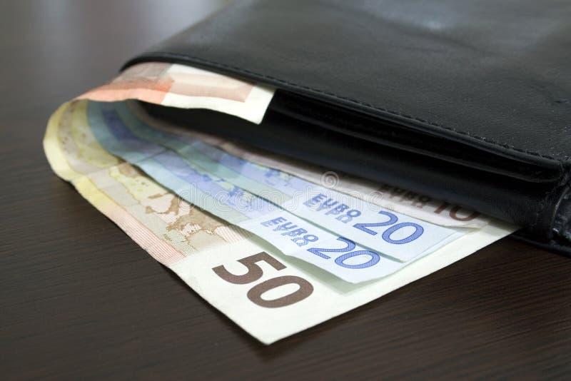 Euro- contas na tabela imagem de stock