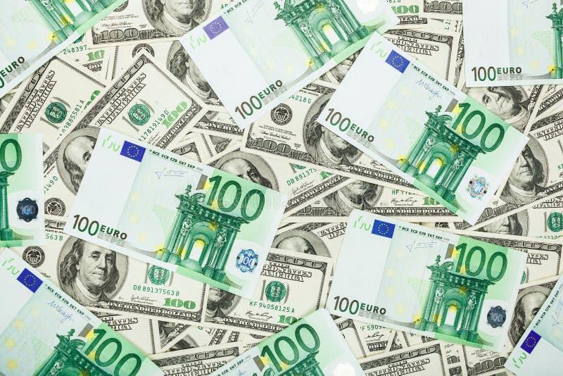 Euro de monnaie fiduciaire et dolar Fond des billets de banque photo stock