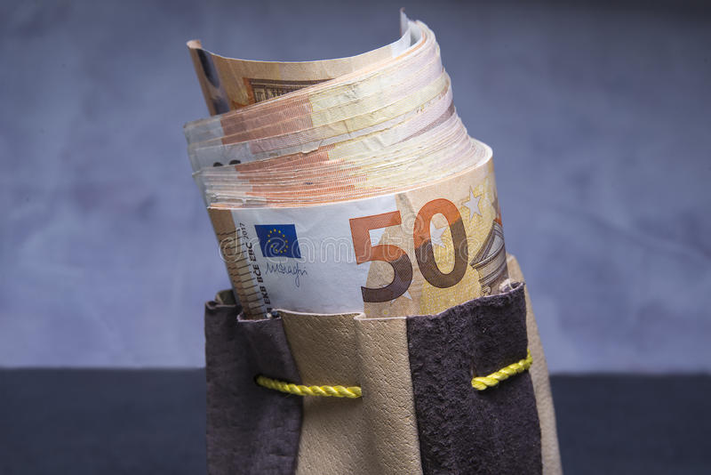 Euro in de zak royalty-vrije stock afbeeldingen