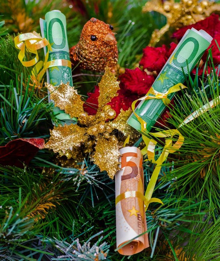 Euro decorazione dell'albero di Natale delle fatture fotografia stock