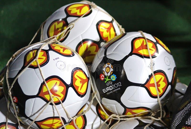 EURO dell'UEFA ufficiale del primo piano 2012 palle immagine stock
