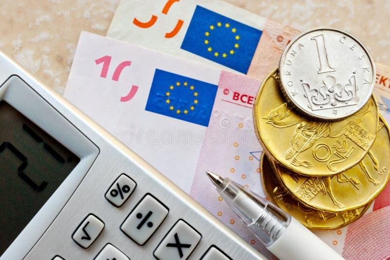 Euro e dinheiro checo da coroa fotos de stock