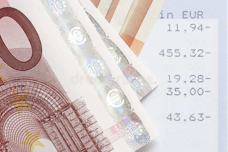 Euro en rekeningsverklaringen royalty-vrije stock foto's