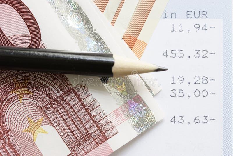 Euro en rekeningsverklaringen stock foto