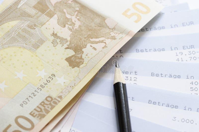 Euro et rapports de compte images stock
