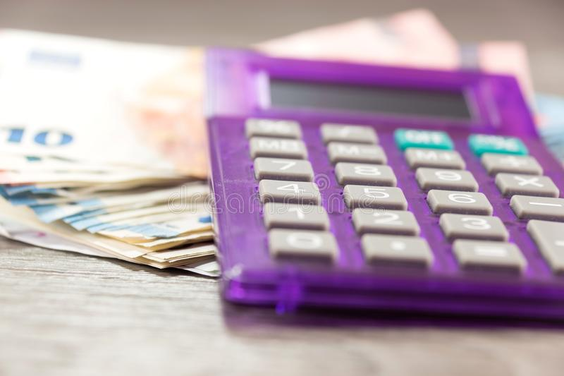 Euro geld en calculator royalty-vrije stock foto