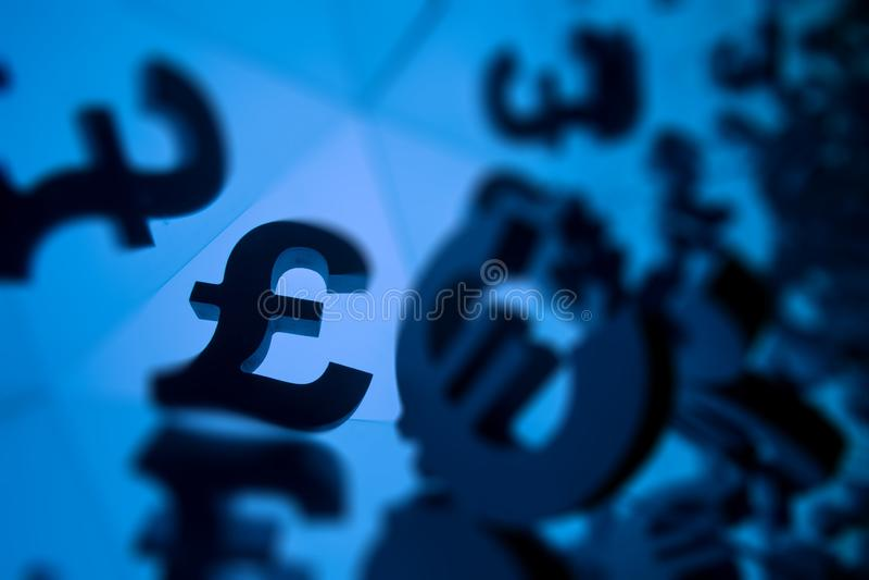 Euro i funta waluty symbol Z Wiele Odzwierciedla wizerunkami obraz royalty free
