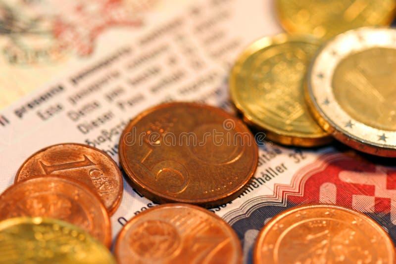 Download Euro iii arkivfoto. Bild av pass, affär, huvud, vinst, guld - 34544