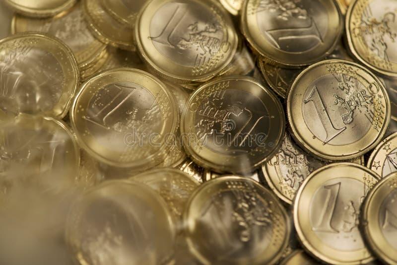 Download Euro monety obraz stock. Obraz złożonej z nikt, waluta - 28972827