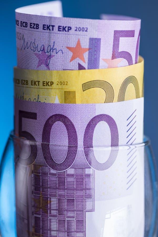 Euro nota's met bezinning stock fotografie