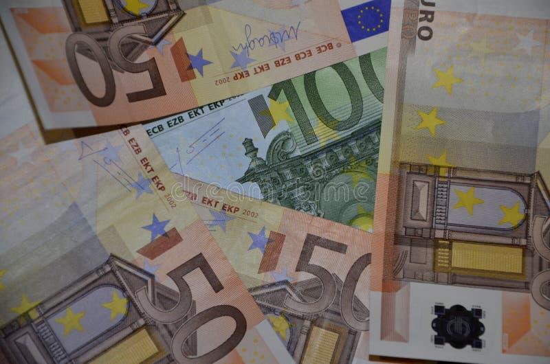 Euro nota's met bezinning stock afbeelding