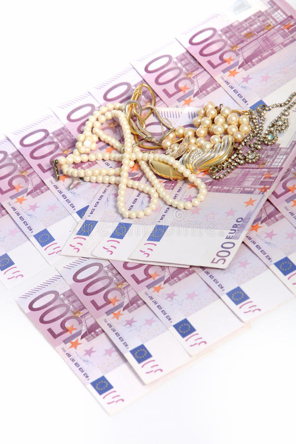 500 euro nota's met juwelen royalty-vrije stock foto's