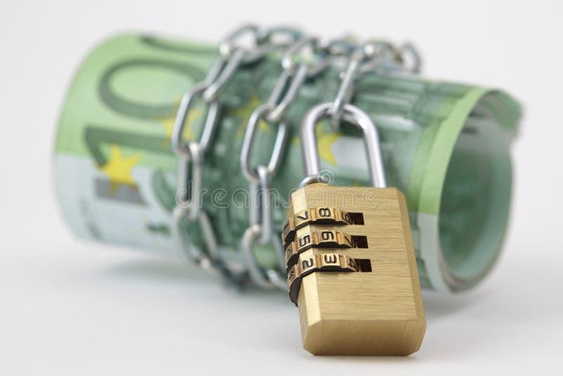 Euro- notas com fechamento e corrente fotografia de stock royalty free