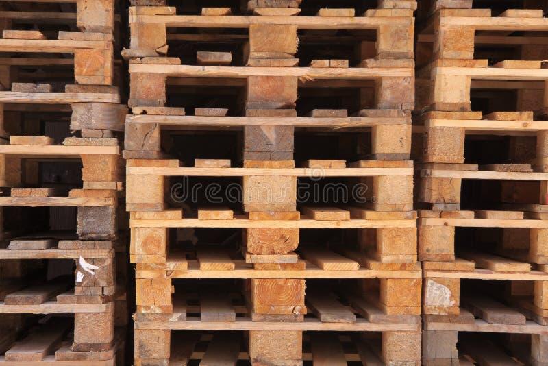 Euro- páletes empilhadas imagem de stock royalty free