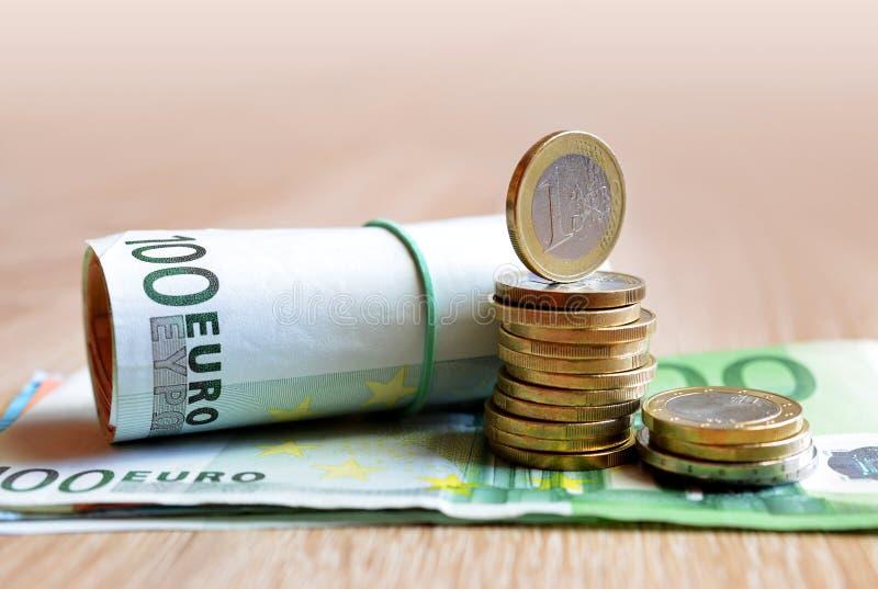 Euro pièces de monnaie et billet de banque image libre de droits