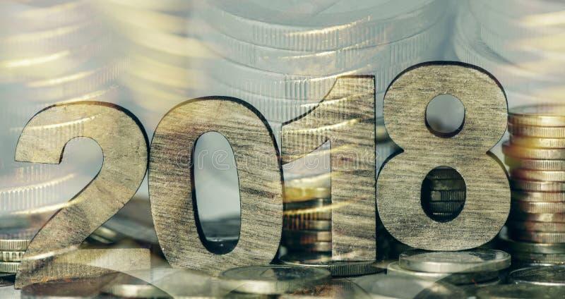 Euro pièces de monnaie et numéro 2018, comme nouvelle année photos libres de droits