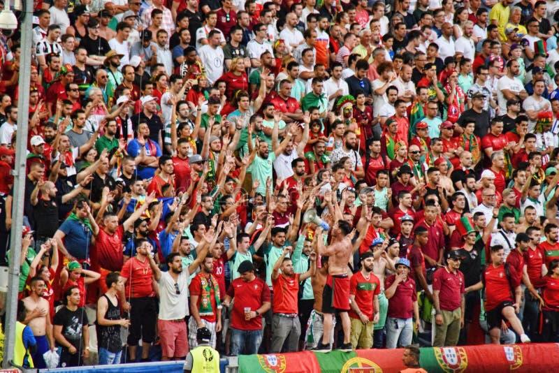Euro portugais 2016 de passionés du football du Portugal image libre de droits
