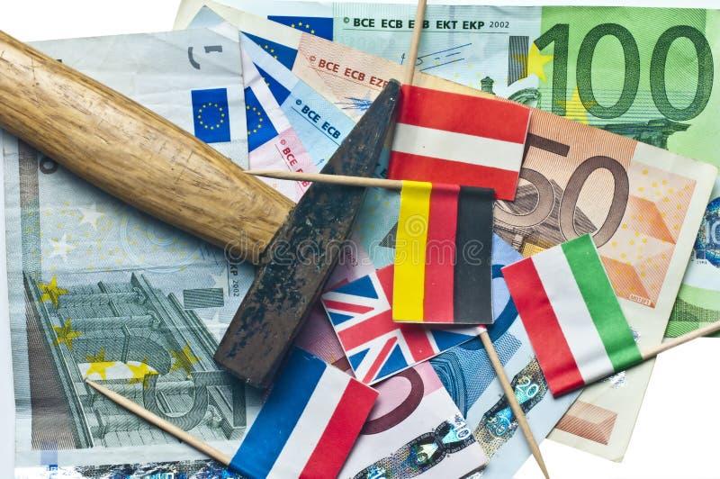 Euro sotto un martello fotografia stock libera da diritti
