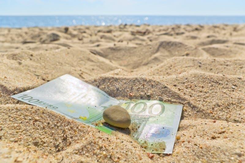 Euro sulla spiaggia. fotografie stock