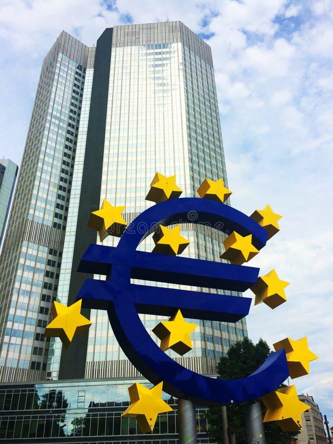 Euro symbol w Frankfurt zdjęcie stock