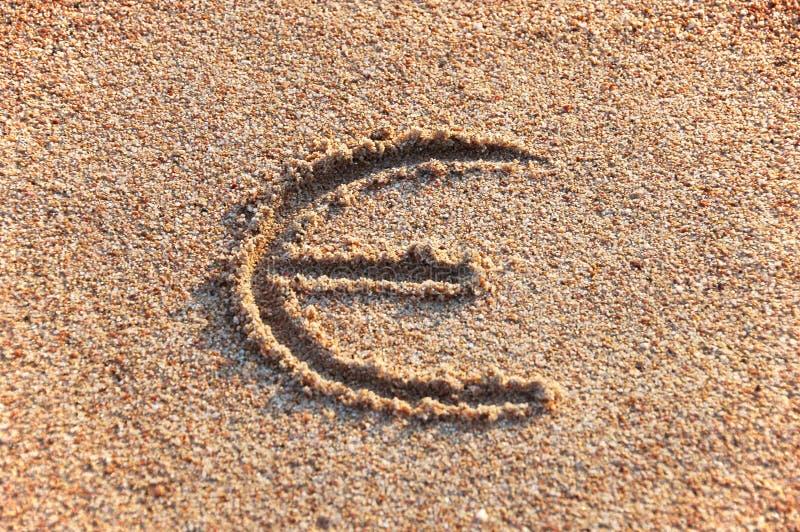 Euro teken in een zand royalty-vrije stock foto's