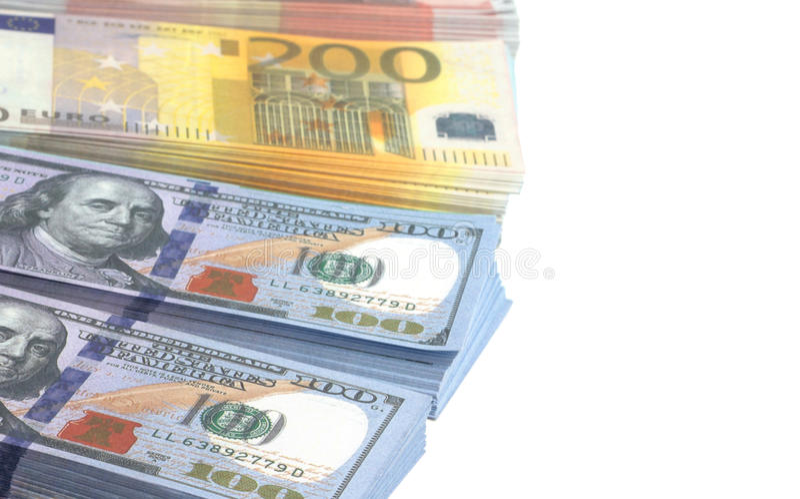 Euro- und Dollarbanknoten auf weißem Hintergrund stockfoto
