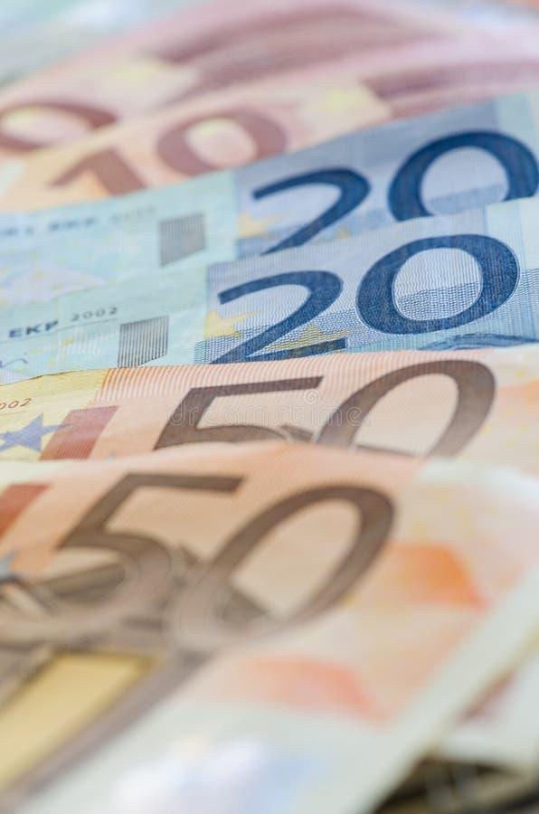 Download Euro zauważa odbicie obraz stock. Obraz złożonej z tło - 57652309