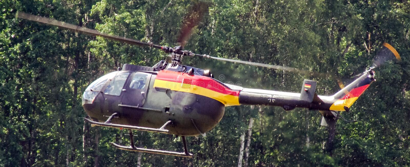 Eurocopter MBB BO-105 της γερμανικής επίδειξης Πολεμικής Αεροπορίας σε Goraszka στην Πολωνία στοκ φωτογραφία