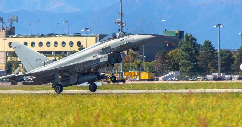 Eurofighter tar av royaltyfri foto