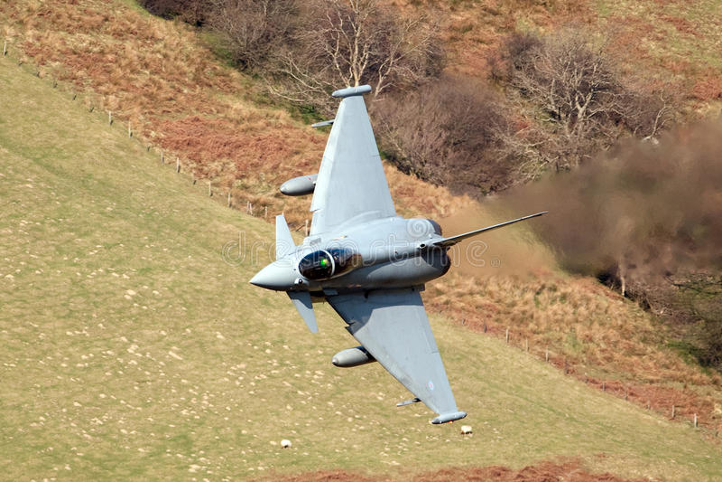 eurofighterf2-typhone royaltyfri foto