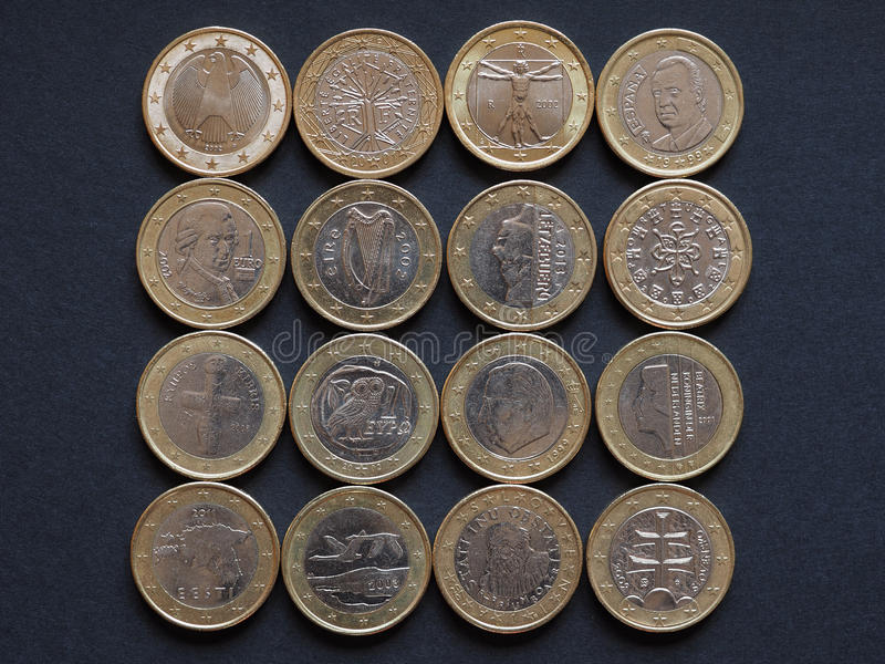 Euromynt av många länder royaltyfri foto