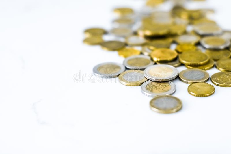Euromynt, valuta f?r europeisk union royaltyfri foto