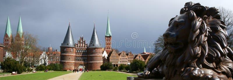 Europäische Ziegelstein-Nordarchitektur lizenzfreies stockfoto
