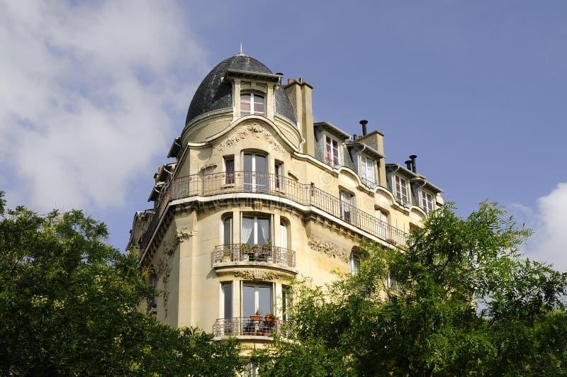 Europäisches Wohngebäudemuster lizenzfreies stockfoto