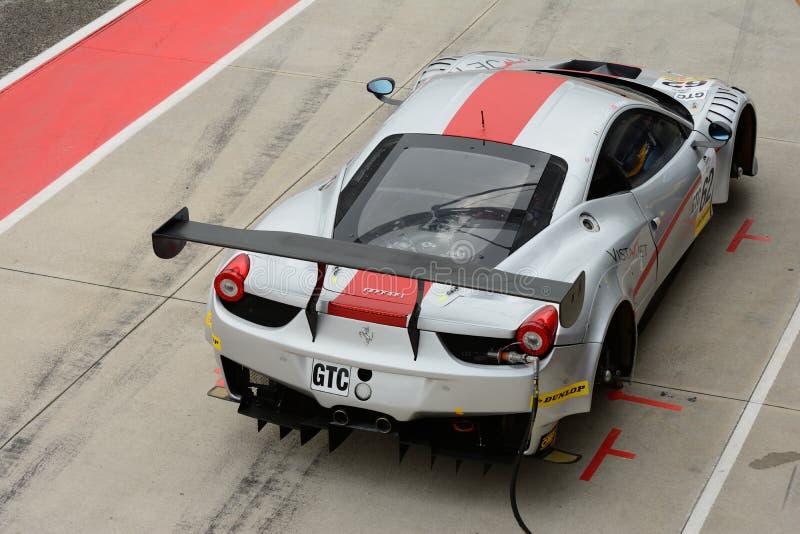EuropéLe Mans serie Ferrari F458 Italia GT3 på Imola 2015 arkivbilder