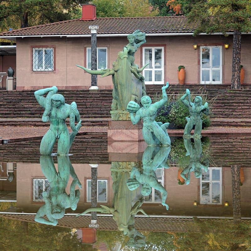 Europa e a fonte de Bull na escultura de Millesgarden jardinam imagem de stock royalty free