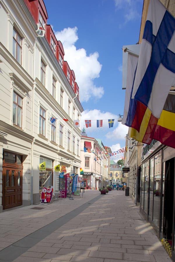 Europa, Escandinavia, Suecia, Goteburgo, banderas nacionales y escena de la calle imagenes de archivo