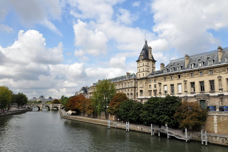 Europa france paris flodseine arkivbilder