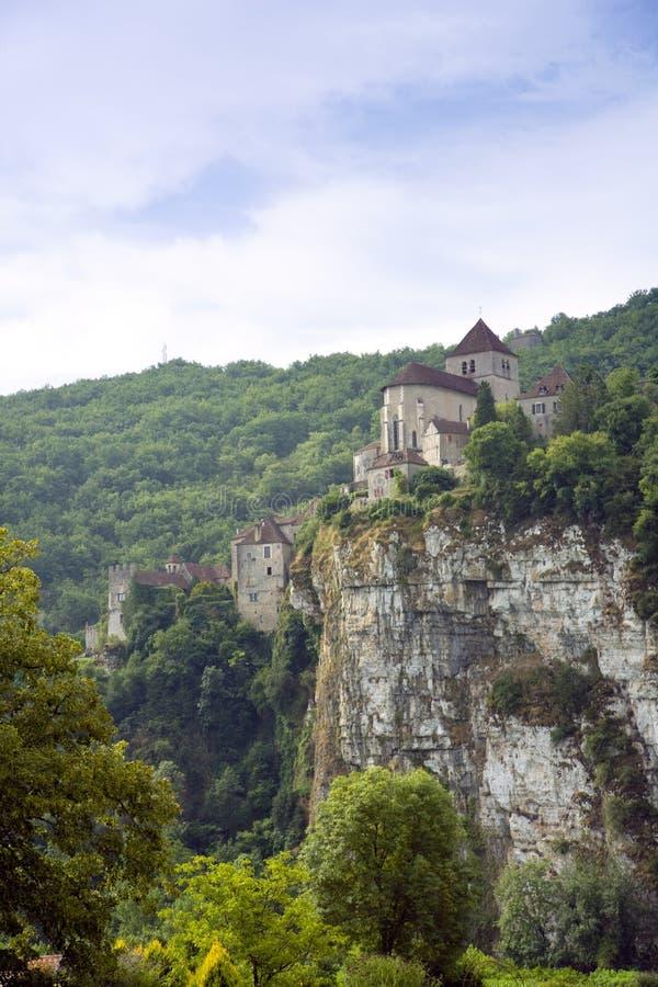 Europa, Francja, St Cirq Lapopie, historyczna clifftop wioski atrakcja turystyczna obraz stock